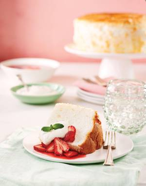 Angel Food Cake with Whipped Cream & Strawberries