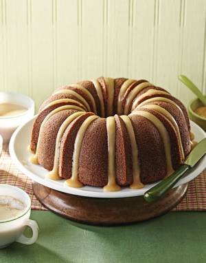 Applesauce Bundt Cake with Apple Cider Glaze