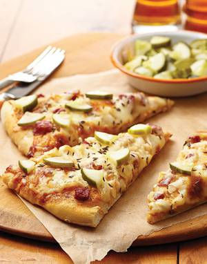 Reuben Pizza with pickles