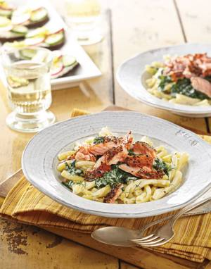 Creamy Spinach & Pasta with hot-smoked salmon