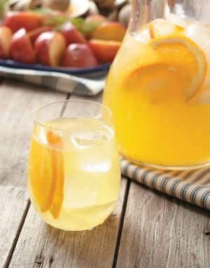 Orange-White Wine Spritzer